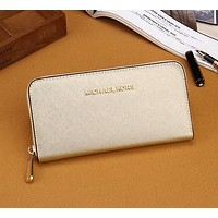 Michael Kors MK Women Leather Zipper Wallet Purse
