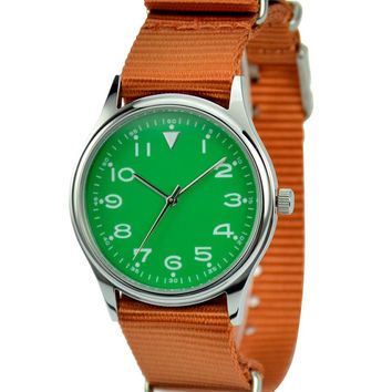 Casual Watch in Nylon Band