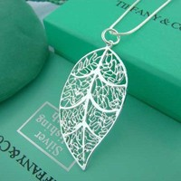 Fashion Leisure Silver Leaf Necklace