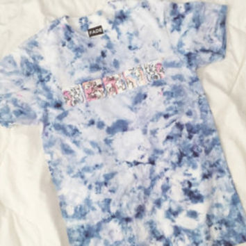 Be Squared Watercolor Tee