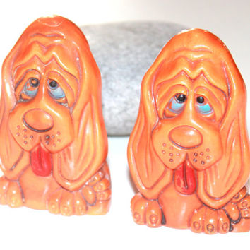 Adorable Mid Century Plastic Salt and Pepper Shakers / Orange / Hound Dog