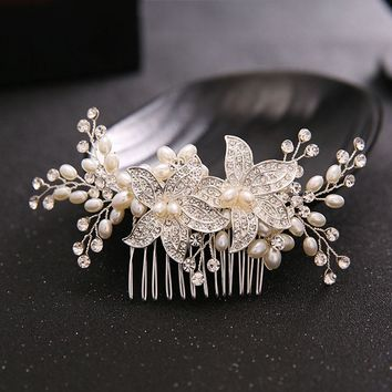 TREAZY Charm Floral Hair Comb Handmade Hairpins Hair Ornaments Vintage Imitation Pearl Crystal Bridal Tiara Wedding Accessories
