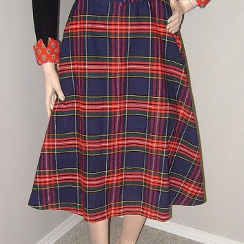 Sweet Vintage 1950's Plaid Tartan Circle Skirt Mad Men Fashion Peggy Olson Skirt