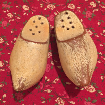 Dutch Ceramic Shoe Salt and Pepper Shakers/Vintage Salt and Pepper Shakers