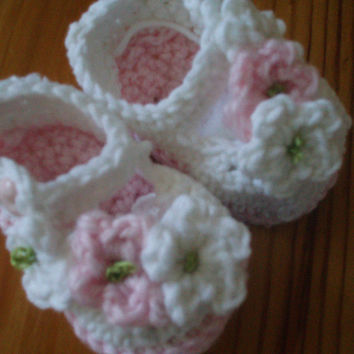 Baby Booty Booties Shoes with flowers, Crochet Pattern