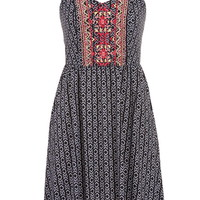 dress in ethnic print with embroidery