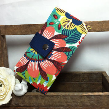 Bright floral folded wallet with Navy contrast, coin pouch, card slots, bill slots