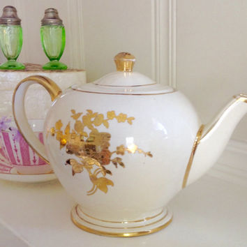 Cream and Gold Vintage Teapot by Sadler England