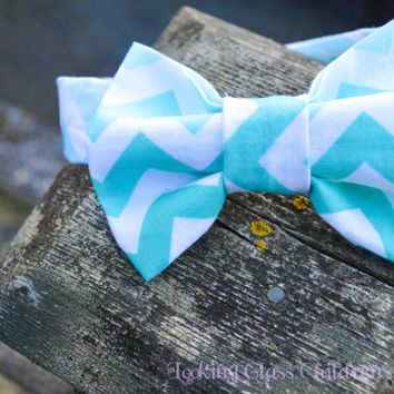 Boy Bow tie Blue Bow tie Chevron Toddler Bow tie Bowtie Velcro bow tie Wedding bow tie Easter Bow tie Ring bearer outfit Baby Infant bow tie
