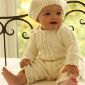 Knit baby hat Unisex baby hat Baby beret Merino wool Off white 0 to 18 months Basque hat Children clothing Baby shower Photo prop Handmade