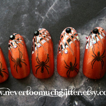 Halloween Nail Art Spooky Halloween Spider by Nevertoomuchglitter