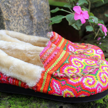Moccasin Style Womens Slippers Ethnic Hmong Embroidered With Plush Lining Gift