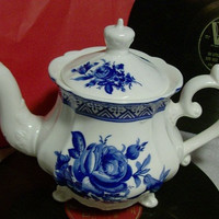 LONDON POTTERY Tea Pot Decorated with Blue Roses cottage chic decor Large