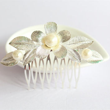 Wedding Hair Comb/Silver Bridal Floral Hair Comb/Crystal Comb Clip/Bride Hairpiece/Bridesmaid Silver Hair Comb/Wedding Hair Accessories