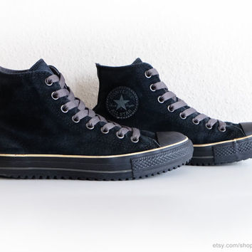 Black suede Converse All Stars with chunky laces, vintage sporty boots, black high tops, slip-ons, size eu 40 (UK 7, US mens 7, US wo's 9)