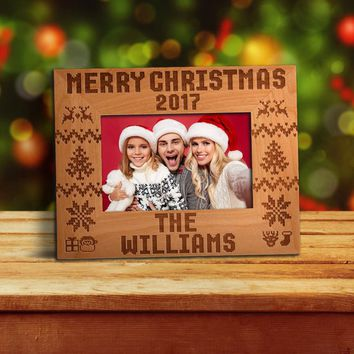 P Lab Personalized Photo Frame for Christmas, Merry Christmas Engraved Photo Frame 4x6 | 5x7 | 8x10, Christmas Gift, Family Picture Frame #1