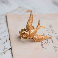 Flying BIRD Ring Golden Bird Golden Filigree Vintage Style Romance Nature