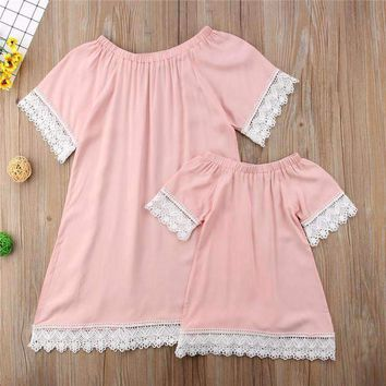 2018 Fashion Parent-child Dresses New Mother Daughter Dresses Hot Sale Womens Kids Girl Short Sleeve Lace Pink Dress Family Look
