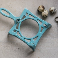 French Cast Iron Trivet // Enamelware