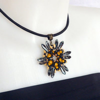 Beaded pendant, beaded flower pendant, beaded pendant Alexia