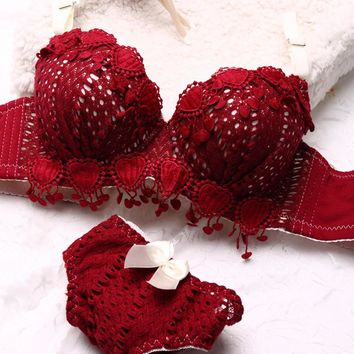Red Lace Crochet Skeleton Sexy Double Push Up Bra Luxury Vintage Lingerie Heart Appliques Tassel Girl Underwear Bra Set N108