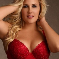 Molded Underwire Bra w/ Push-Up | Plus Size Bras | Hips & Curves