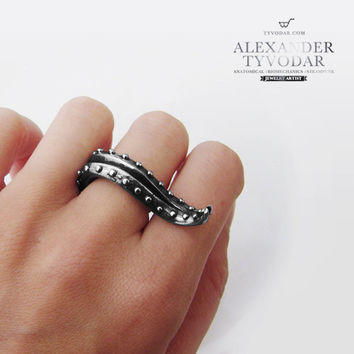 Octopus Tentacle (black) - Ring in Solid Sterling Silver 925 / Steampunk / Biomechanics / Giger / Black Diamond
