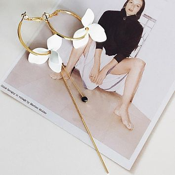 White Flower Hoop Miss-Match Earrings