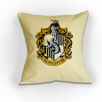 Harry Potter Hogwarts Hufflepuff Crest - Cushion / Pillow Cover / Panel / Fabric