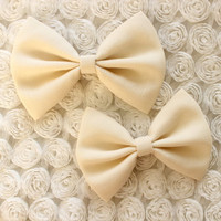 "4.5"" or 5"" beige hair bow, fabric hair bow, women hair bow, beige, off white, light yellow, hairbows, hair bow clip, large hair bow"