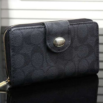 COACH Women Leather Zip Wallet Purse