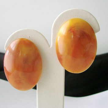 Mid Century Large Faux Amber Clip Earrings / Marbleized / Button / 1950s / Vintage / Jewelry / Jewellery