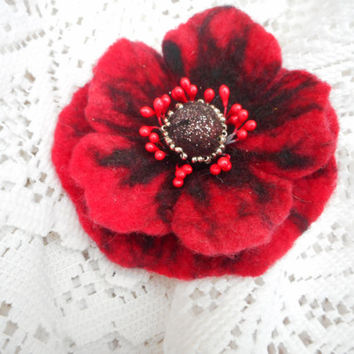 Flower brooch,Red poppy Felt Wool Flower  brooch,red brooch pins,jewelry, red flower hair handmade,corsage,poppies, mothers day gift for her
