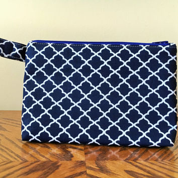 Makeup Travel Bag, Large Cosmetic Bag, Zipper Bag, Cute Gift for Her in Navy Blue Quatrefoil