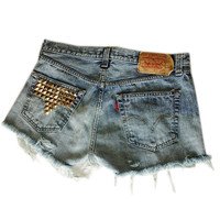 Serge and Destroy — Retro Levi's Distressed and Studded T Pocket