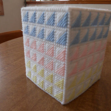 Plastic Canvas Tissue Box Cover - Attic Window Design - Boutique Size