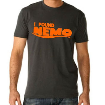 CREW NECK** I Found Nemo - Men's - Disney Finding Nemo just keep swimming Finding Dory Disneyland Disney World P Sherman 42 Wallaby Way