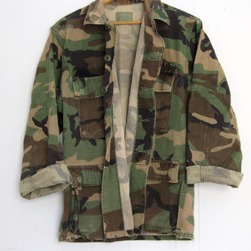 Vintage US Military Woodland Camouflage Camo Faded Hunting Jacket Shirt Small Short