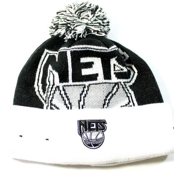 New Era Kid's Brooklyn Nets Jr Woven Biggie Black/White Cuffed Knit Hat