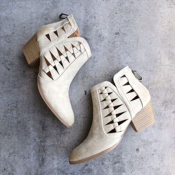 'Alesso' chunky stacked heel cut out bootie - stone