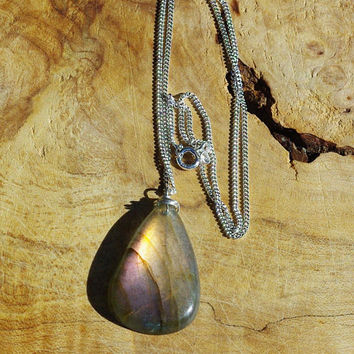 Labradorite Pendant ~ Sterling Silver Chain ~ Grey Pink ~ Yellow Blue ~ Iridescent Colours ~ Canadian Stone ~ Flashing Colour ~ Holiday Gift