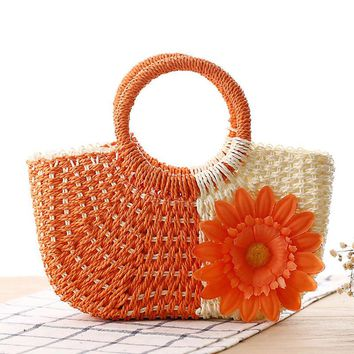 Summer New Bags Women Knitting Fashion Flower Tote Bags Ladies Famous Straw Handbags Female Rattan Clutch
