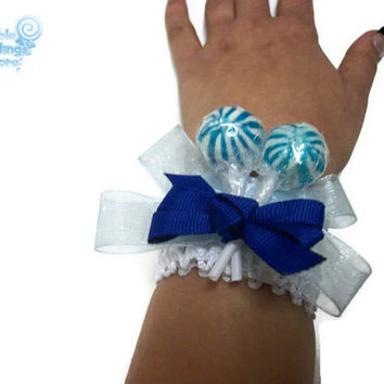 White and Blue Lollipop Wrist Corsage, Blue Corsage, White Corsage, Lollipop Corsage, Candy Corsage, Wedding, Homecoming, Prom, Corsage