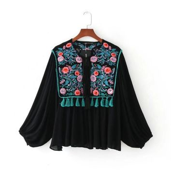 2017 Fashion Women Elegant Sequins embroidery Tassels jacket Casual lantern Sleeve Loose Coat Vintage Tops C231