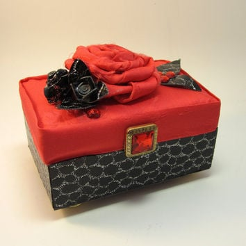 Wedding Ring Box - Proposal Ring Box or Ring Bearer's Box in Red, Black and Faux Crocodile Leather
