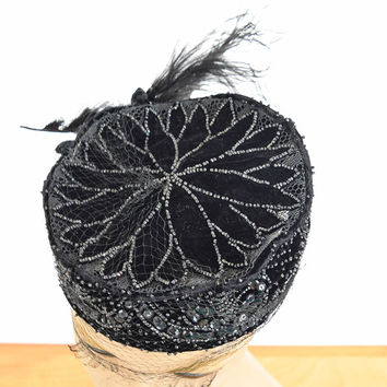 40s 50s Beaded Black Velvet Pillbox Style Cocktail Hat