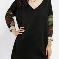 Urban Outfitters - Urban Renewal Camo-Sleeve Dress
