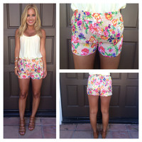 Mandarin Garden Shorts With Pockets