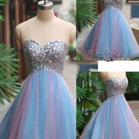 A-line Sweetheart Knee-length Tulle Beading Homecoming Dress