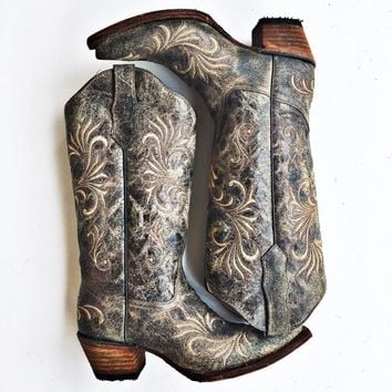 Corral Women's Distressed Filigree Embroidered Western Boots